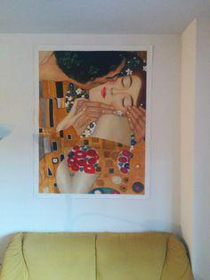 """Copia del dipinto """"Il bacio"""" di Klimt. Particolare dell'opera realizzato dagli artisti di Tutti Quadri http://www.tuttiquadri.it/klimt/il-bacio.htm"""