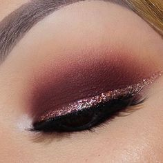 @makeupbymramirez used Jingle Bells for this gorgeous glitter winged eyeliner. Check her page for details @makeupbymramirez