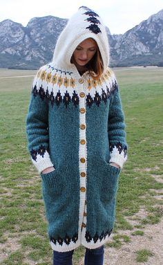 Ravelry: Project Gallery for Astrid pattern by Astrid Ellingsen Knitting Projects, Knitting Patterns, Fair Isle Knitting, Mode Inspiration, Needle And Thread, Winter Wear, Wool Sweaters, Pullover, Knit Cardigan