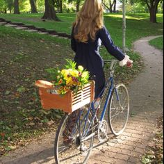 Ofcourse! A Mixte girl. Mixte's are THE BEST most elegant bike!