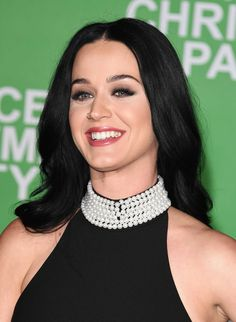 """""""Katy Perry attends the premiere of Paramount Pictures' 'Office Christmas Party' at Regency Village Theatre on December 2016 in Westwood, California. Katy Perry Birthday, Celebrity Crush, Celebrity Style, Zoey Deschanel, Katy Perry Photos, Office Christmas Party, Female Singers, Celebs, Celebrities"""