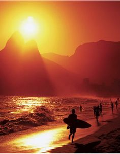 This incredible shot of Ipanema Beach, Rio de Janeiro, Brazil as the sun is setting is just beautiful, isn't it?