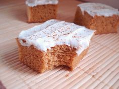 Loaded with protein! Pumpkin Protein Bars. 21 Day Fix Desserts Viral Recipe protein packed recipe