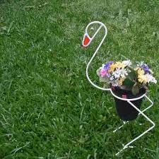 Resultado de imagen para porta maceta de hierro para jardin Metal Projects, Welding Projects, Projects To Try, Wire Crafts, Metal Crafts, Wrought Iron Decor, Steel Fabrication, Steel Art, Welding Art