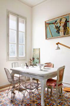 Caos y BELLEZA en un piso centenario - El comedor | Galería de fotos 9 de 13 | AD