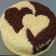 Herzkuchen Food and drink Cake Decorating Videos, Cake Decorating Techniques, Cookie Decorating, Pretty Cakes, Cute Cakes, Food Cakes, Cupcake Cakes, Valentine Cake, Valentine Bouquet