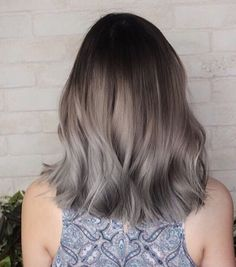 49 New Ideas For Hair Gray Highlights Ombre Grey hair 776026579521535020 Grey Ombre Hair, Silver Grey Hair, Brown To Grey Ombre, Ash Gray Hair Color, Ashy Hair, Dark Hair, Haircut And Color, Hair Color Balayage, Mi Long