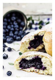 Blueberries buns /  jagodzianki