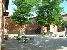 Montestigliano by Get Gibbo, via Flickr #montestigliano #tuscanvilla #villaintuscany #agritourismo #montestigliano #siena #tuscany #destinationweddingtuscany #weddingintuscany #love #friends