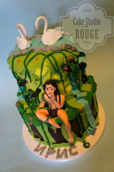 Love love love this cake. Jane just needs to be added so Tarzan isn't so lonely.