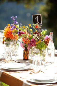 love this for the table - has the dahlias, billy balls and wild flowers!