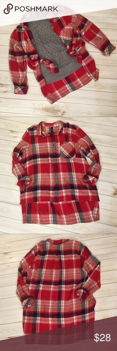 Women's L Seven7 plaid button up blouse❤️ SO CUTE! Absolutely love this plaid blouse!! Long rollable sleeves. Full button front. One chest pocket. High low. Perfect to leave unbuttoned with a cute blouse underneath OR perfect to button and wear with leggings! You can't go wrong with this top!! 😍❤️🔥✨☕️ (WT276) Seven7 Tops Button Down Shirts
