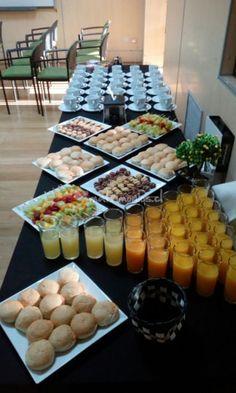 6d775ca9d88f3e Resultado de imagen para montaje de coffee break. tumie Pule · deco · Torte  e biscotti artigianali nel buffet colazione Hotel ...