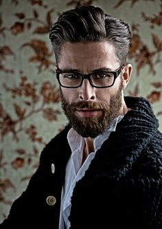 40 Glasses for Men to Look Sexy Anytime - Men's Fashion 2017 Mens Modern Hairstyles, Hair And Beard Styles, Hair Styles, Epic Beard, Men Beard, Mens Glasses, Men's Grooming, Great Hair, Facial Hair