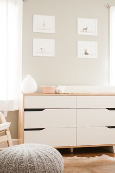 Gray and white baby nursery// Sharon Montrose Animal Print Shop