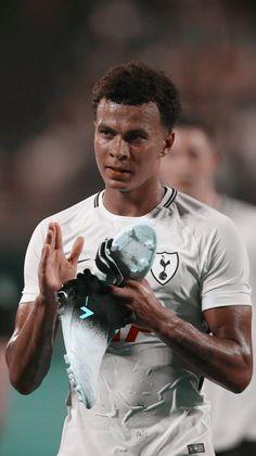 Football Is Life, Football Soccer, Football Players, Dele Ali, Tottenham Football, Paris Saint Germain Fc, Tottenham Hotspur Players, Spanish Men, England Players