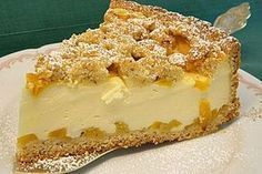 Fruchtiger Kuchen mit knusprigen Streuseln Fruity cake with crunchy crumbles, a nice recipe from the baking category. Easy Cake Recipes, Cookie Recipes, Snack Recipes, Dessert Recipes, Snacks, Easy Fruit Cake Recipe, Dessert Simple, Lemon Desserts, Fall Desserts