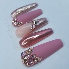 Pink Chrome Nails, Pink White Nails, Matte Pink Nails, Chrome Nail Art, Rose Gold Chrome, Bling Acrylic Nails, Rose Gold Nails, Diamond Nails, Best Acrylic Nails