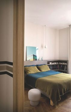 Une chambre parentale sobre et confortable. Plus de photos sur Côté Maison http://petitlien.fr/82t6