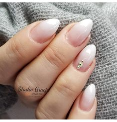 Nails Baby boomer: it& the moment of pink dégradé- Unghie Baby boomer: è il momento del rosa dégradé Nails Baby boomer: it& the moment of pink dégradé - Marble Nail Designs, Elegant Nail Designs, Elegant Nails, Almond Shape Nails, Almond Nails, Water Nails, Cool Nail Art, Autumn Nails, Bling Nails