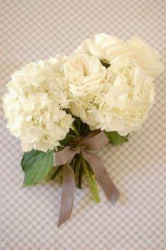 DIY Wedding Crafts : DIY: Preppy Wedding Bouquet