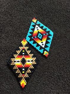 Beaded Bracelet Patterns, Beaded Earrings, Beaded Bracelets, Beadwork, Beading, Brick Stitch Earrings, Triangle Earrings, Earring Tutorial, Nativity