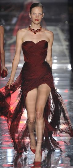 """Alexandre Vauthier Fall Winter 2011 - 2012 Haute Couture Collection """"A Lady in Red"""" Red Fashion, Couture Fashion, Runway Fashion, High Fashion, Fashion Show, Burgundy Fashion, Alexandre Vauthier, Carolina Herrera, Gq"""