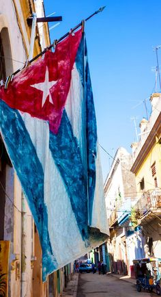 Big Cuba Flag in Havana city, Cuba Oh The Places You'll Go, Places To Travel, Travel Destinations, Havana City, Havana Beach, Cuba Pictures, Collage Pictures, Monuments, Cuba Flag
