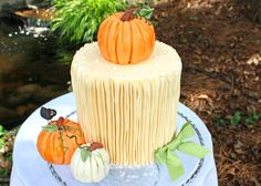 Tutorial for cake and pumpkin decorations