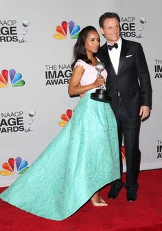 Kerry-Washington-poses-with-her-onscreen-leading-man-Tony-Goldwyn