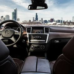Chicago looks good from where we're sitting.  #MBPhotoCredit @jeremycliff  #Mercedes #Benz #MClass #instacar #carsofinstagram #germancars #luxury