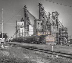 Grain elevator in Sayre, Oklahoma, by Route 66. #Route66 #RJsRoute66 #GrainElevator #Oklahoma #trains #railway #rail