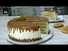 Pastel de caramelo y galletas 🍰 Flan, Food Cakes, Cakes And More, Macarons, Vanilla Cake, Tiramisu, Donuts, Cake Recipes, Cupcakes