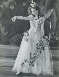 Vivien Leigh as Titania in A Midsummer Night´s Dream at the Old Vic Theatre in London.