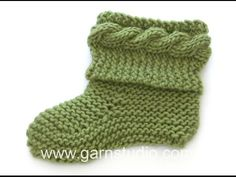 DROPS Knitting Tutorial: Knitted slippers in garter stitch with cable - YouTube