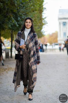 Caroline Issa between the fashion shows. The post Paris SS 2017 Street Style: Caroline Issa appeared first on STYLE DU MONDE | Street Style Street Fashion Photos