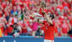 Wales' Gareth Bale and his daughter Alba Violet