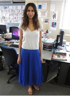 Sophie Laban T-shirt Gap, jupe Zara et sandales Visconti & de Réau