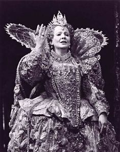 Huguette Tourangeau as Elisabetta in Donizetti's Maria Stuarda at Covent Garden, 1977 Big Band Jazz, Joan Sutherland, Mezzo Soprano, Opera Singers, Classical Music, Ballet, Covent Garden, Statue, History