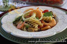 Com este calorão o #almoço é uma Salada de Fusilli Integral com Frutos do Mar mega prática, leve, saborosa e ainda de quebra super refrescante.  #Receita aqui: http://www.gulosoesaudavel.com.br/2016/02/19/salada-fusilli-integral-frutos-mar/