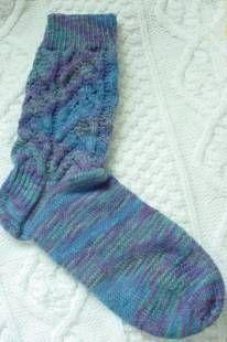 Free+Knitting+Pattern+-+Adult+Slippers+&+Socks:+Yukon+Leaves+Sock