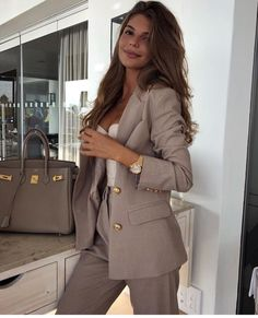 Simple Work Outfits Ideas For Young Women 21 – Office . Read more The post Simple Work Outfits Ideas For Young Women 21 – Office Outfits appeared first on How To Be Trendy. Simple Work Outfits, Classy Outfits, Stylish Outfits, Glamorous Outfits, Formal Outfits, Classy Dress, Business Casual Outfits, Business Fashion, Corporate Fashion