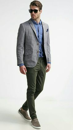 Mens Fashion Smart – The World of Mens Fashion Chinos And Blazer Men, Gray Blazer Men, Green Chinos Men, Chinos Men Outfit, Olive Chinos, Blazer Outfits Casual, Look Blazer, Blazers For Men, Gray Shirt Outfit