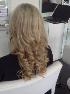 Soft glamour curls