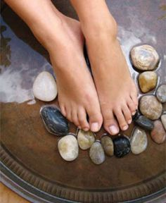 6 Homemade Pedicure Tips for Beautiful Feet