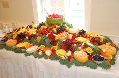 Ideas fruit table display veggie bars for 2019 Fruit Tables, Fruit Buffet, Fruit Trays, Dessert Tables, Food Buffet, Healthy Fruit Smoothies, Fruit Drinks, Veggie Bars, Salads For Kids