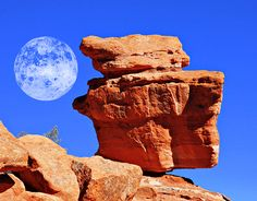 Balancing Rock at Entrance of Garden of the Gods Park, Colorado by Beverly & Pack, via Flickr