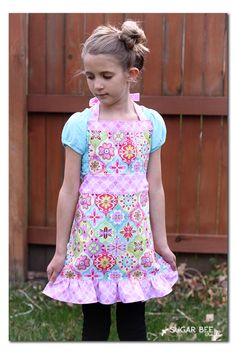 Project Design Team Wednesday ~ Girl's Apron Victorian Girl Costume, Victorian Aprons, Aprons Vintage, Toddler Apron, Kids Apron, Apron Dress, Dress Up, Knot Dress, Wrap Dress
