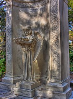 Bonaventure Cemetery, Savannah... went for a ghost tour here on our Honeymoon