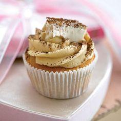 Tiramisu cupcakes - New Ideas No Bake Treats, Yummy Treats, Delicious Desserts, Sweet Treats, Yummy Food, Cupcake Recipes, Cupcake Cakes, Cup Cakes, Cupcake Table